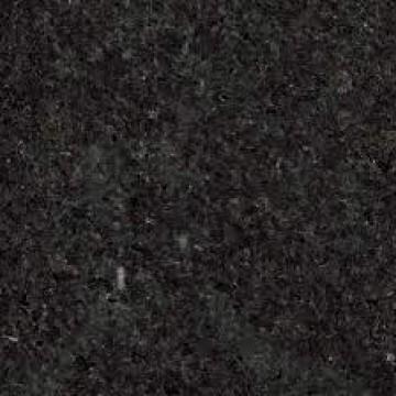 გრანიტი black pearl